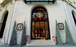 Magasin de la société Hediard, avenue Georges V à Paris, spécialisée dans l'épicerie fine, le 17 décembre 1999