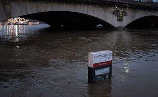Paris, 2 juin 2016, la Seine est en crue.
