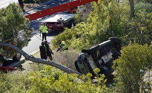 Le véhicule du golfeur Tiger Woods après son accident, le 23 février 2021, dans la banlieue de Rancho Palos Verdes à Los Angeles.