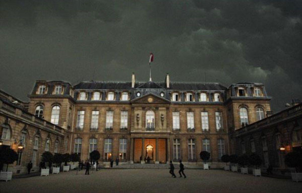 Le palais de l'Elysée un jour d'orage. – WITT/SIPA