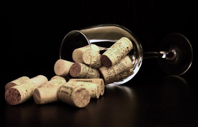 Des bouchons de bouteilles de vin.