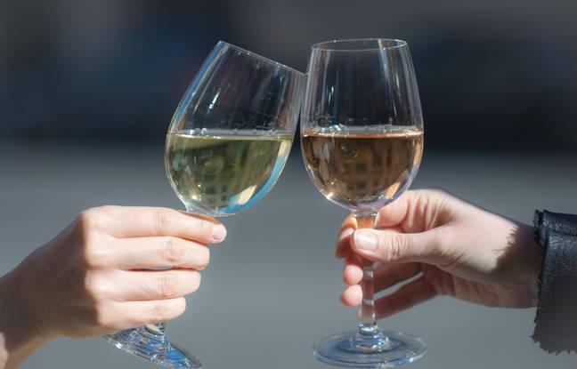 Donald Trump menace de taxer le vin français, le président de Paca lui envoie deux caisses de rosé