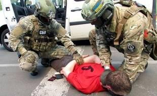 Les images diffusées par l'Ukraine qui montre l'arrestation d'un Français, suspecté d'avoir fomenté des attentats en France.Credit:Ukrainian SBU/SIPA/SIPA/1606070829