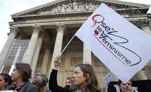 Des militantes féministes, membres de l'organisation «Osez le Féminisme», le 26 août 2013 à Paris.