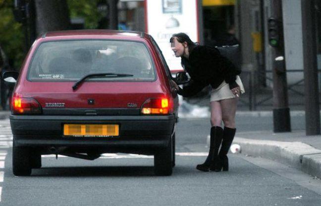 Prostitution à Paris le 1er septembre 2002.