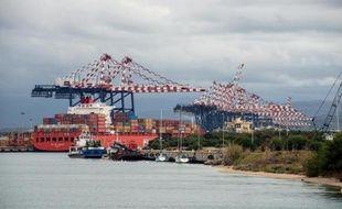 Le port italien de Gioia Tauro a été choisi pour le transfert prévu de l'arsenal chimique syrien depuis un cargo danois vers un navire américain en vue de sa destruction, a annoncé jeudi le ministre italien des Infrastructures.