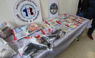D'importantes quantités de drogue et 75.000 euros en argent liquide ont été saisis à Rennes lors d'un coup de filet dans un réseau de trafic de stupéfiants.
