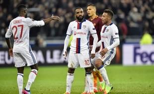 """La joie """"cantonesque"""" de 'Alexandre Lacazette après avoir marqué le dernier but lors de Lyon-AS Rome (4-2), en 8e de finale aller de Ligue Europa, le 9 mars 2017."""