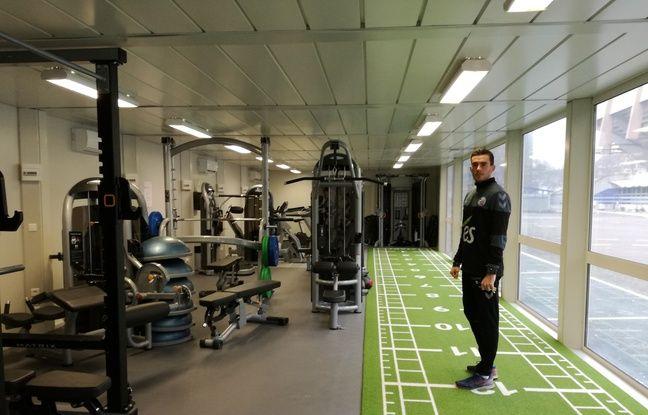 football on s 39 est frott aux tests physiques du racing club de strasbourg pour la reprise. Black Bedroom Furniture Sets. Home Design Ideas