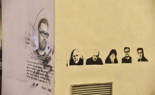 Des fresques en hommage aux dessinateurs de Charlie-Hebdo, tués dans l'attentat du 7 janvier 2015, rue Nicolas-Appert, dans le 11e arrondissement