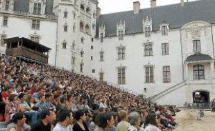 Les scènes salaces ou sanguinolentes du western de Royal de Luxe ont «déconcerté» certains des 1 200 spectateurs.