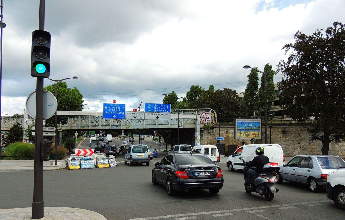 Paris, le 18 août 2014. Le convoi d'un prince saoudien a été braqué, dimanche 17 août, au niveau de la Porte de la Chapelle. – HOUPLINE/RENARD/SIPA