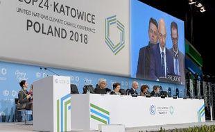 Michal Kurtyka, président polonais de cette COP24, s'exprime à la tribune, lors d'une session plénière à Katowice.