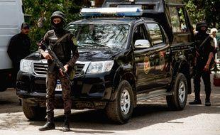 Des forces de police égyptiennes. Illustration.