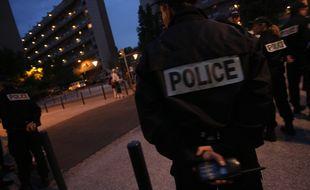 Membre d'une patrouille de la police nationale a Toulouse