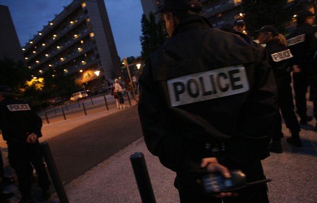 Des policiers qui interviennent de nuit à Toulouse. Illustration