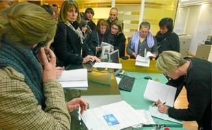 Les ouvrières ont appris la fermeture de l'usine d'Yssingeaux mercredi à Lyon.