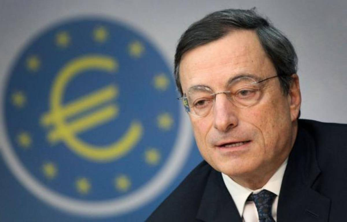 La Banque centrale européenne (BCE) a décidé jeudi de baisser son principal taux directeur à 1,25% face aux menaces de récession économique, mais s'est une nouvelle fois refusée à jouer les remparts contre la contagion de la crise de la dette dans la zone euro. – Daniel Roland afp.com