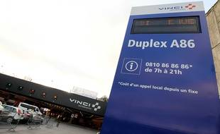 Le Duplex A86 a été mis en service en juin 2009 entre Rueil et Vaucresson (section 1) ; et en janvier 2011 entre Vélizy et Vaucresson (section 2 et ouverture totale du Duplex A86). Aujourd'hui en moyenne 30 000 clients empruntent chaque jour l'infrastructure.
