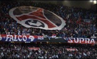 Le Paris SG, qui accueille le Panathinaïkos, pour un match classé à haut risque, va encore faire les gros titres, rejetant dans l'ombre Lens et Auxerre, encore en course pour la qualification, lors de la 5e et dernière journée de la Coupe de l'UEFA de football mercredi et jeudi.