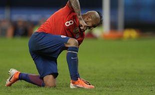 Le Pérou met à terre le Chili d'Arturo Vidal.