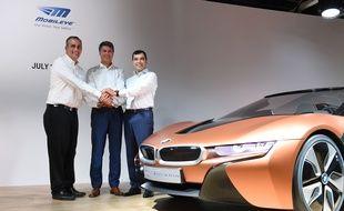 Les patrons d'Intel, Brian Krzanich, de BMW, Harald Krueger et de Mobileye, Amnon Shashua, à Munich, le 1er juillet 2016.