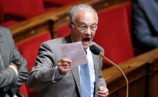 """Le président UMP de la commission des Finances de l'Assemblée nationale Gilles Carrez a déclaré lundi qu'il """"espérait"""" que le gouvernement se """"garderait bien"""" de rétablir la taxation à 75% pour les plus riches, """"un taux aberrant"""" censuré par le Conseil constitutionnel."""