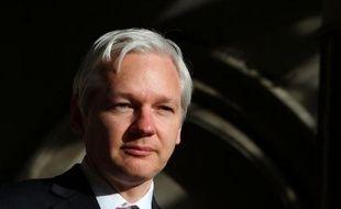 """La Haute Cour de justice britannique a accordé un nouveau délai à Julian Assange dans la bataille judiciaire contre son extradition vers la Suède, en convenant qu'un point """"d'intérêt général"""" pouvait être soulevé devant la Cour suprême."""