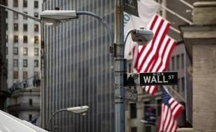 La Bourse de New York a terminé en hausse mardi, ragaillardie par de bons indicateurs économiques américains et rassurée par les banques centrales américaines et chinoises: le Dow Jones a gagné 0,69% et le Nasdaq 0,82%.