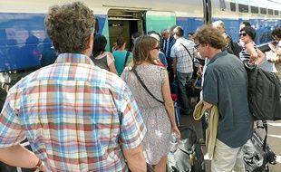 Les trains maintenus sont souvent bondés, comme ici à la Part-Dieu.