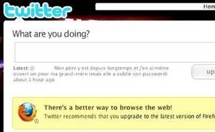 Sur Twitter, une bannière suggère de mettre à jour son navigateur