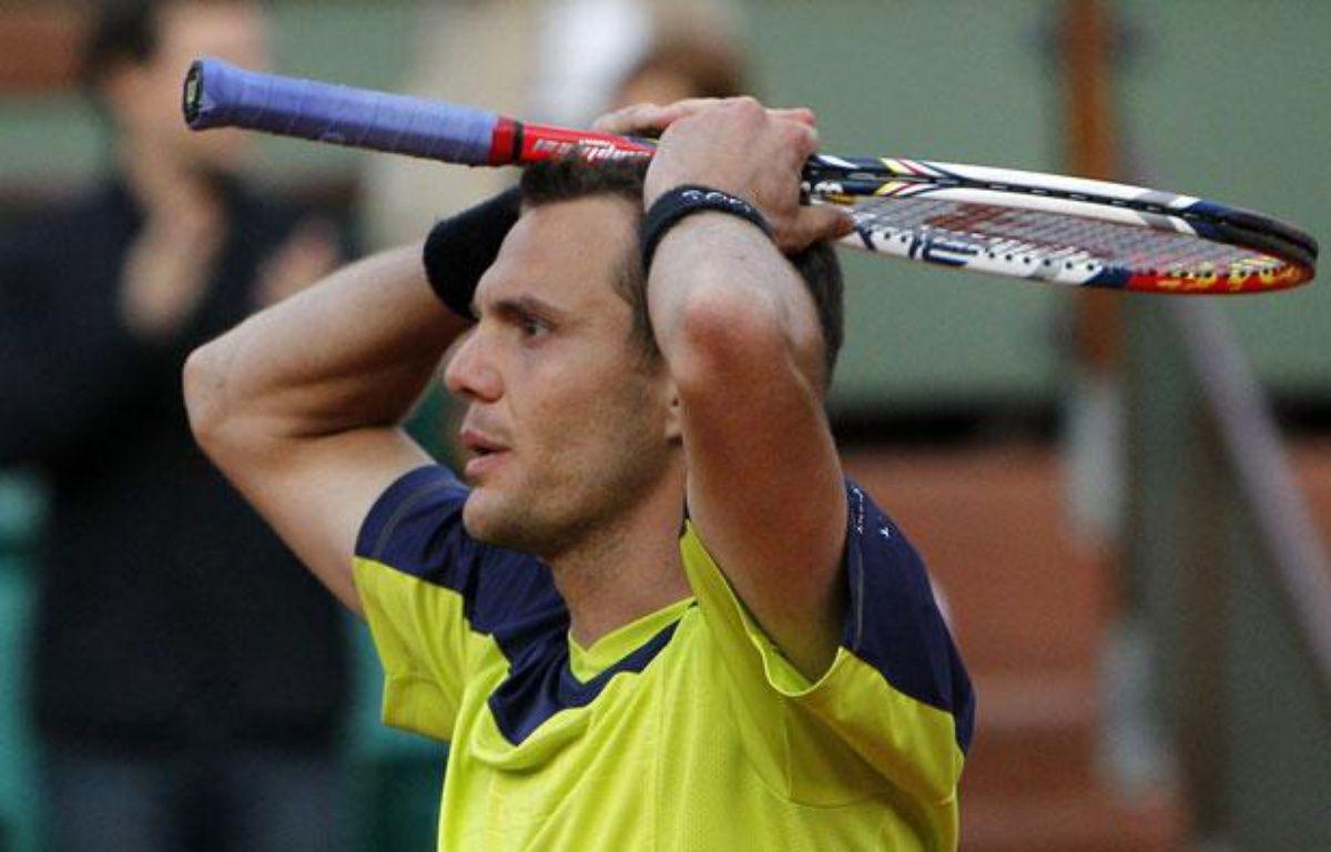 Le Français Paul-Henri Mathieu lors de son élimination contre l'Espagnol Marcel Granollers, le 2 juin 2012, àRoland-Garros.  – REUTERS/NIR ELIAS