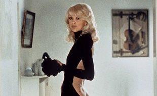 Mireille Darc dans «Le Grand Blond avec une chaussure noire»