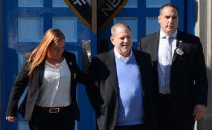 Inculpé pour viol et agression sexuelle, l'ancien producteur Harvey Weinstein s'est rendu à la justice le 25 mai 2018.