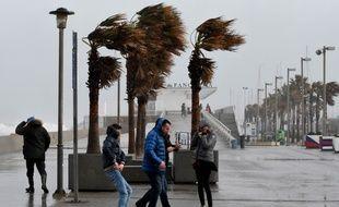 Trois personnes sont mortes en Espagne et près de 200.000 élèves étaient privés de classe en raison de la tempête