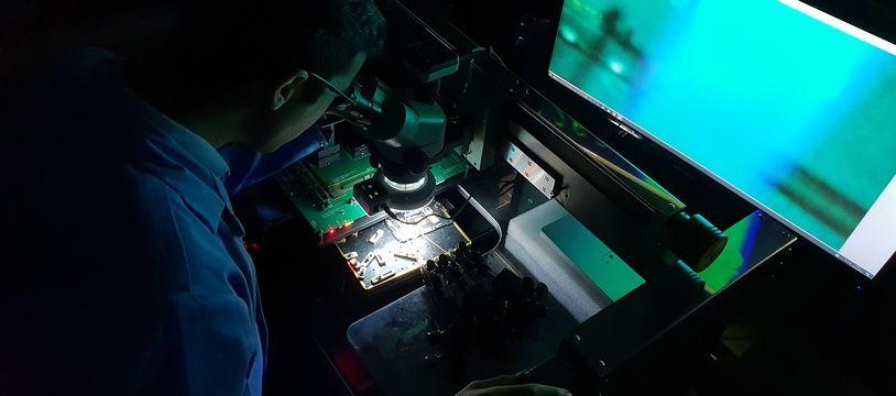 22 techniciens sont affectés aux département informatique-électronique de l'IRCGN