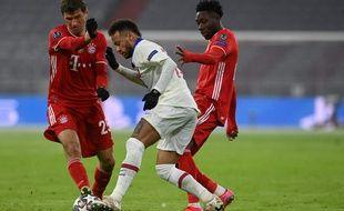 Neymar face à Thomas Mueller, lors du quart de finale de Ligue des champions, mercredi 7 avril.