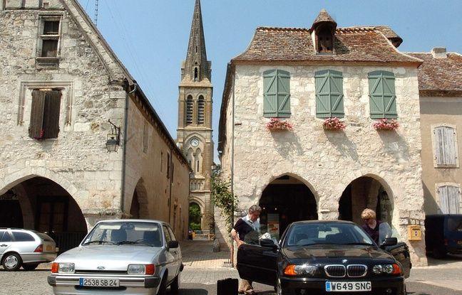 A Eymet (Dordogne), plus d'un tiers des habitants sont des Britanniques venus chercher le soleil et la douceur de vivre dans le « Dordogneshire ».