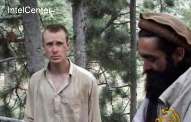 Photo fournie par Intelcenter du 7 décembre 2010 montrant le sergent américain Bowe Bergdahl (g) otage en Afghanistan depuis le 30 juin 2009