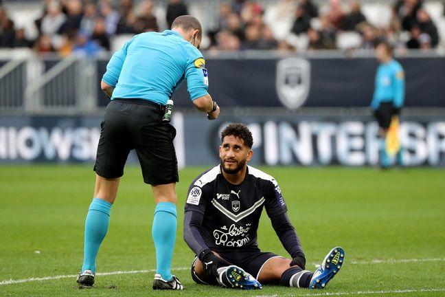 Pablo au sol après sa rupture des ligaments croisés face à Nice en mars 2020.