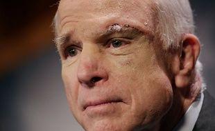 John McCain après une opération du cerveau en 2017.