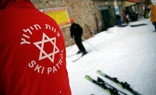 Un pisteur israélien de la station de ski du mont Hermon, dans le Golan occupé par l'Etat hébreu, le 21 janvier 2016