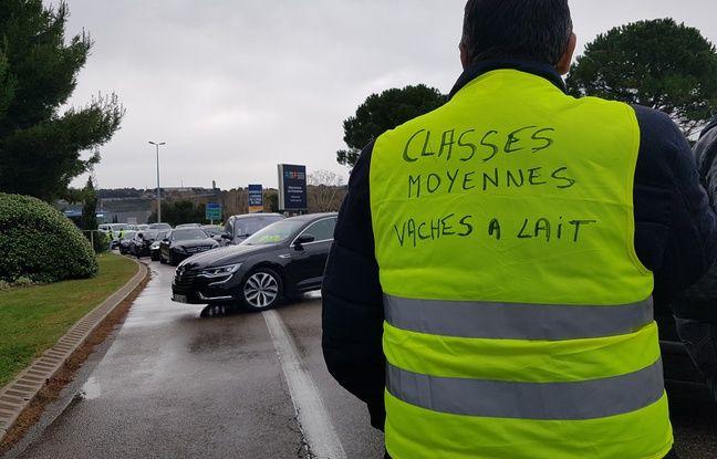 «Gilets jaunes»: Un conducteur meurt après avoir percuté un camion à la frontière belge