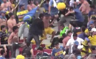 Capture d'écran des incidents dans la tribune des supporters de Boca Juniors, le 27 octobre 2012, au stade Monumental de Buenos Aires.