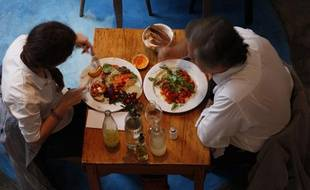 Le pain, les biscottes, la charcuterie et le fromage sont les aliments qui contiennent le plus de sel.