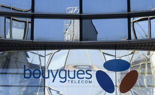 Illustration de la façade d'un bâtiment de l'opérateur Bouygues Telecom.