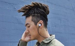 Les écouteurs Pixel Buds ne sont pour l'instant pas disponibles en France (photo d'illustration).