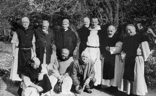 Le juge chargé de l'enquête sur la mort en 1996 en Algérie des moines de Tibéhirine devait entendre mercredi à Amsterdam un ex-militaire algérien qui a désigné la Sécurité militaire algérienne comme responsable de leur disparition, selon une source proche du dossier.