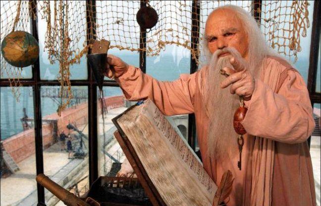 Le Père Fouras dans la vigie de Fort Boyard.