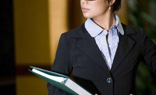 Certaines entreprises nippones demande aux employées de ne pas porter de lunettes (illustration).